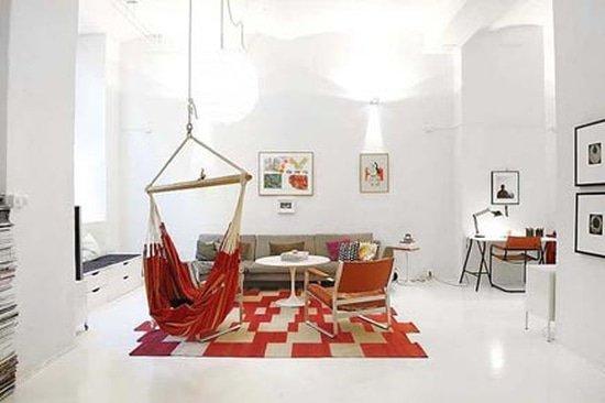 Hangstoel als statement piece in het interieur